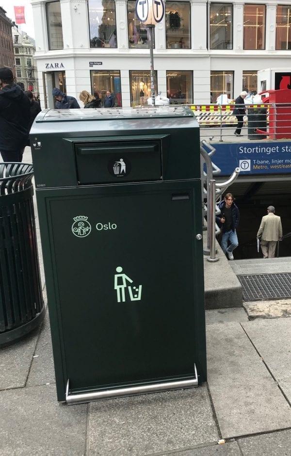 Finbin CitySolar - Smart avfallsbeholder, Stortinget T-banestasjon