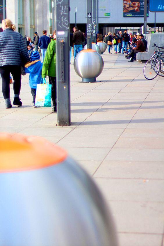 Bubble - Avfallsbeholder med stor kapasitet 360l og 600l, i metall. På gate