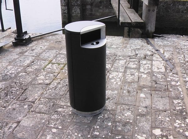 City1005 - Avfallsbeholder på 100l med integrert askebeger